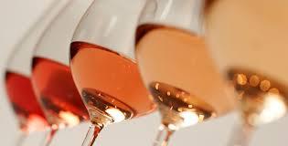 La rosée de l'arroseur et l'arroseur à rosé