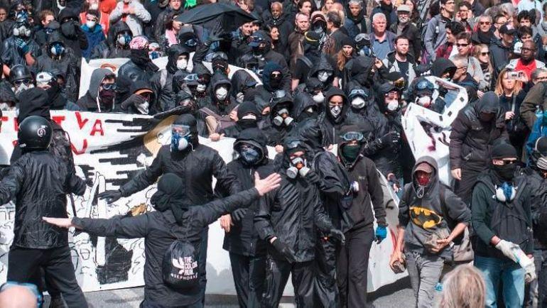 L'avenir du droit de manifester de plus en plus noir